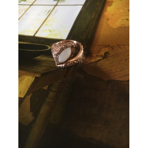 """""""The Mother of pearl"""" silver ring"""